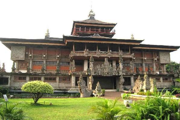 Macam-Macam-Rumah-Adat-Bali